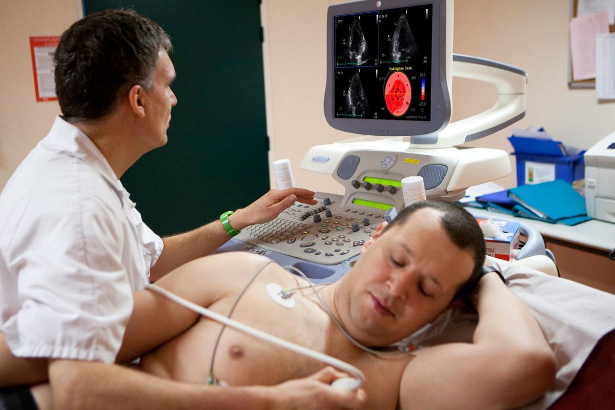 como e feito ya exame de ecocardiografia transtoracica